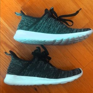Adidas Athletic Shoes 7.5